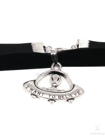 "alienthick2 ""i want to believe"" choker ""I want to believe"" choker alienthick2 3 370x480"