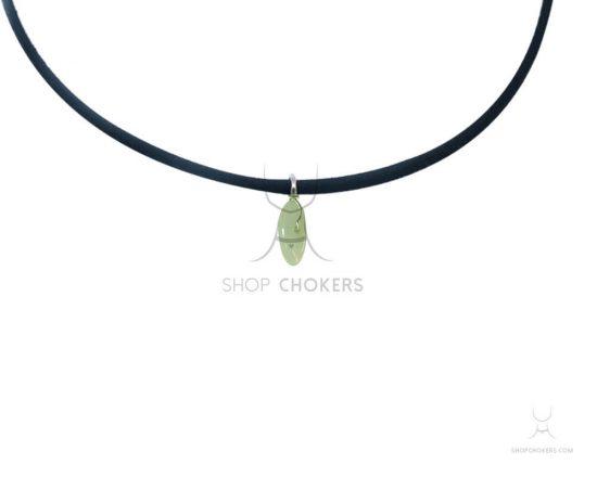 Small green adventurine stone thin choker greenadventurine 1 550x440