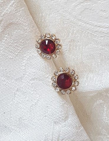 gold-red-earrings-diamond