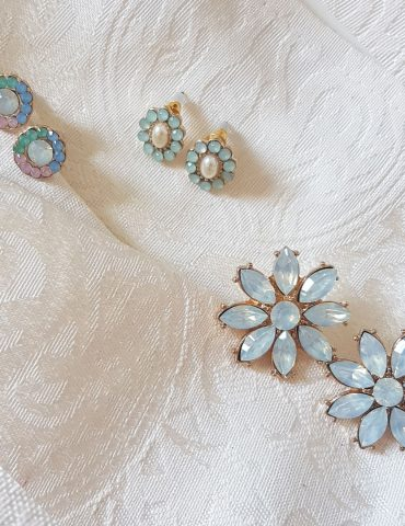light-blue-flower-earrings-set