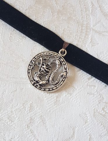 round-dragon-choker
