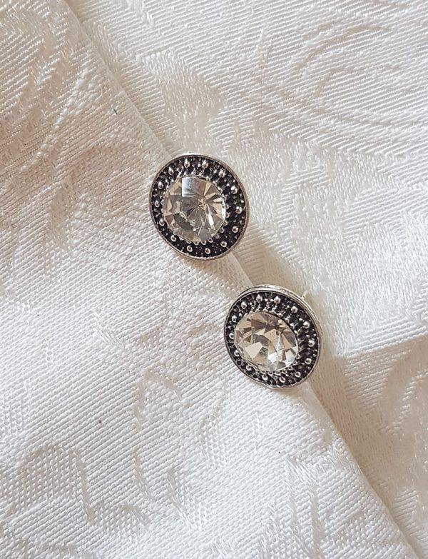round-diamond-earrings